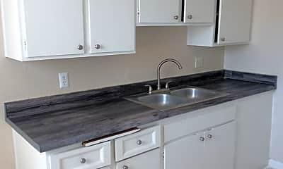 Kitchen, 496 Calcaterra Cir, 0
