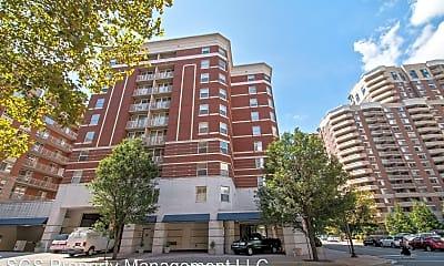 Building, 880 N Pollard St #901, 0