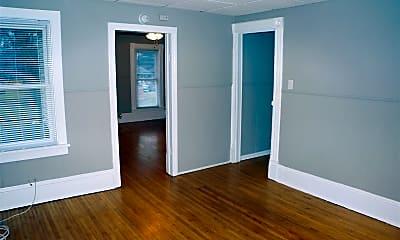 Bedroom, 338 Moseley St, 1