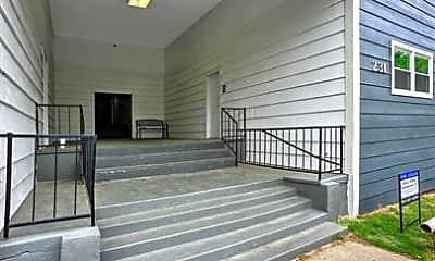 Patio / Deck, 231 W Hull St, 1