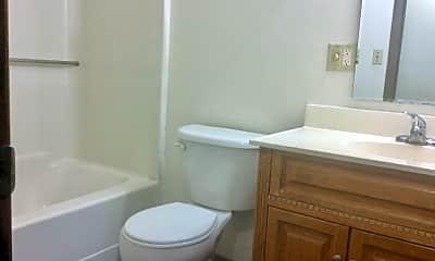 Bathroom, 425 Sims St, 2