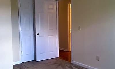 Bedroom, 2021 Cloyd Blvd, 2