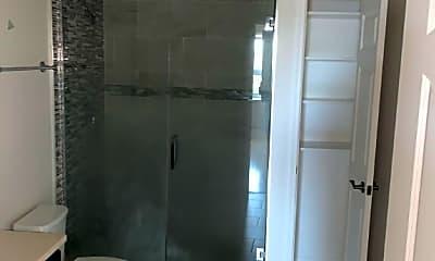 Bathroom, 1655 N Western Ave, 2