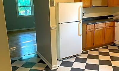 Kitchen, 1842 Algonquin Parkway #3, 1