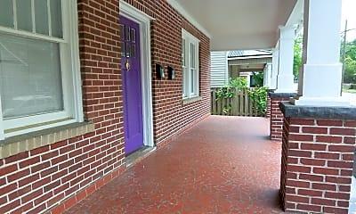 Patio / Deck, 705 E 4th St B, 1