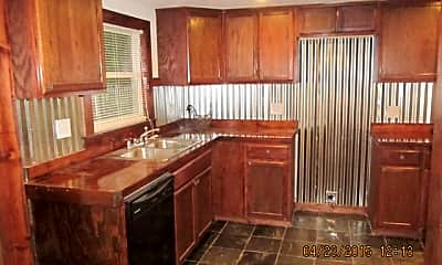 Kitchen, 403 Murchison St, 1