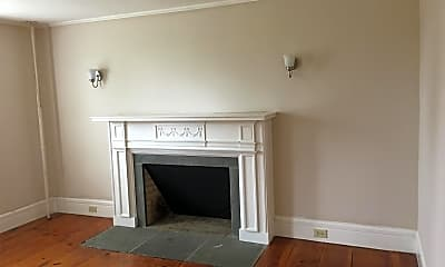 Living Room, 166 Old Amherst Rd, 2