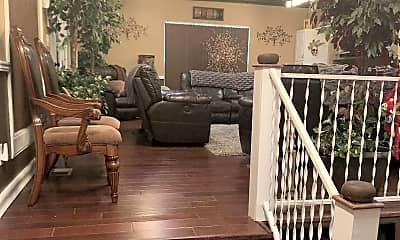 Living Room, Room for Rent -  a 5 minute drive to Kroger, 0