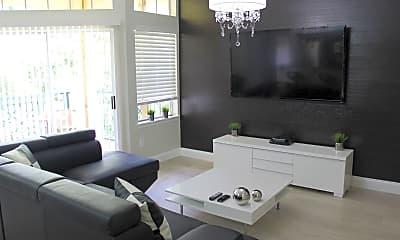 Living Room, 7270 Westpointe Blvd, 1