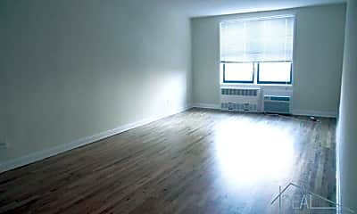 Living Room, 2757 Homecrest Ave, 1