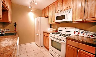 Kitchen, 581 N Ave, 1