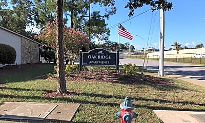 Oak Ridge, 1