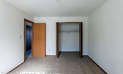 Bedroom, 1147 E Elm St, 2
