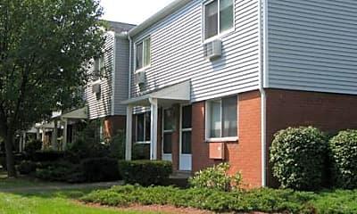 Building, Hemingway Place Apartments, 1