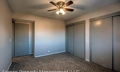Bedroom, 2520-2528, 2
