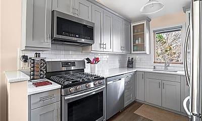 Kitchen, 30 Acorn Ct G1, 1