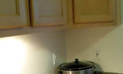 Kitchen, 1239 N Austin Blvd, 1