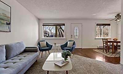 Living Room, 2717 Glenwood Dr, 0