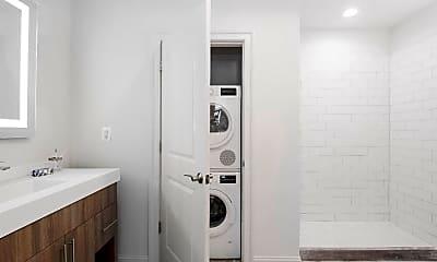 Bathroom, 218 Arch St 517, 2