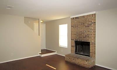 Living Room, 9601 Bear Paw Trail, 1