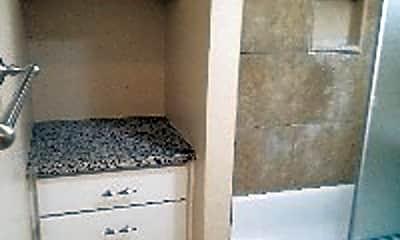 Kitchen, 325 E Leatrice Ln, 2