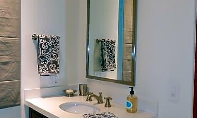 Bathroom, 10280 Missouri Ave, 2