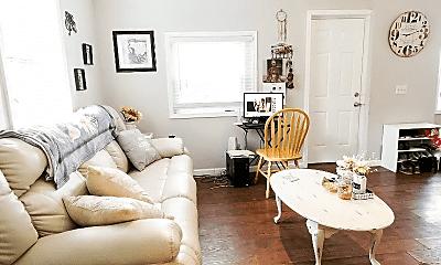 Living Room, 1010 43rd Ave N, 1