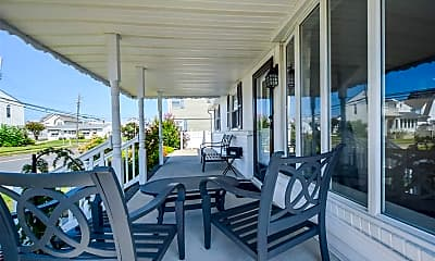 Patio / Deck, 3112 Winchester Ave, 1