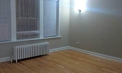 Bedroom, 6647 N Greenview Ave, 1