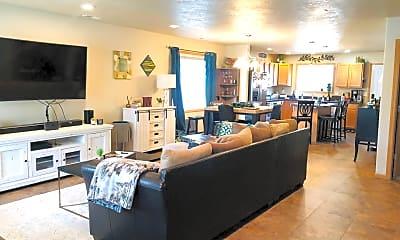 Living Room, 1403 6th Ave SE, 1
