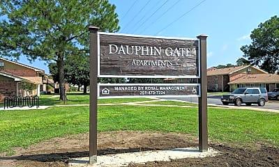 Dauphin Gate, 1