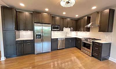 Kitchen, 4552 N Clark Street Apt: 223, 1