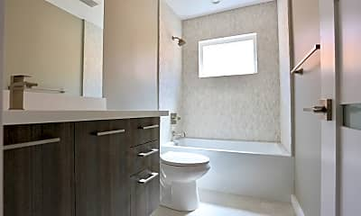 Bathroom, 514 S Mariposa Ave, 2