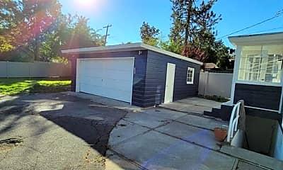 Patio / Deck, 2907 S Manito Blvd, 2