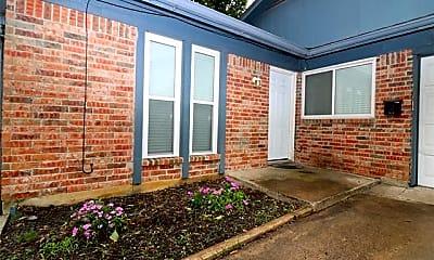 Building, 708 Truman St B, 2