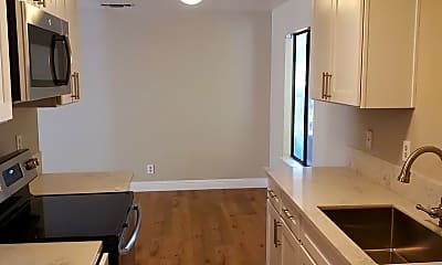 Kitchen, 1395 Nord Ave, 1