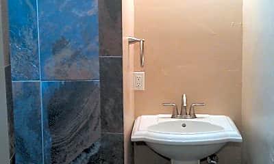 Bathroom, 1509 N Campbell St 4, 2