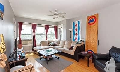 Living Room, 1122 W Addison St. 3, 1