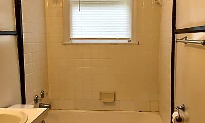 Bathroom, 2825 Duncan St, 2