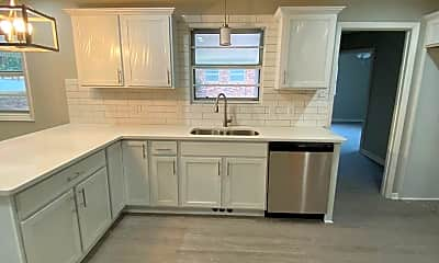 Kitchen, 1302 N Maple St, 1