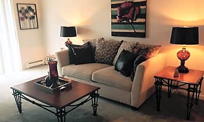 Living Room, 1833 Seven Pines Rd, 1