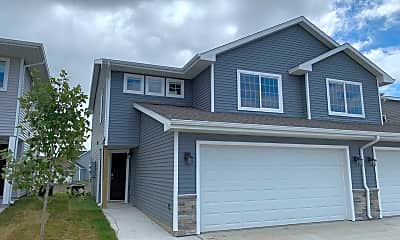 Building, 2820 N W 40th Ln, 0