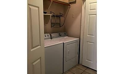 Bathroom, 213 Navarro Dr, 2
