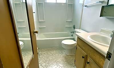 Bathroom, 1565 N 5th St, 2