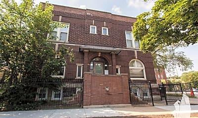 Building, 1533 W Leland Ave, 0