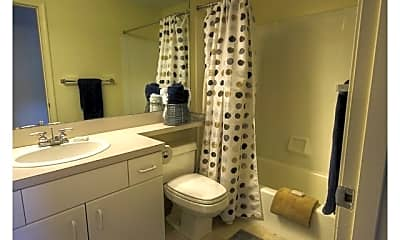 Bathroom, Princeton Green Apartments, 2