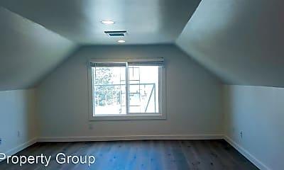 Bedroom, 133 Baker St, 2