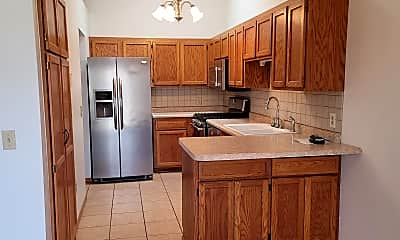 Kitchen, 6868 Sherwood Rd, 1