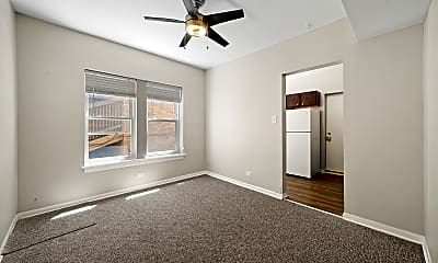 Bedroom, 4506 W Fullerton Ave 3, 1