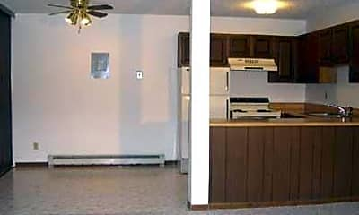Oak Garden Apartments, 2